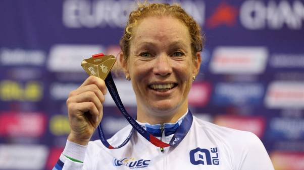 Wild sprint and Kenny gold lights up Euro cycling
