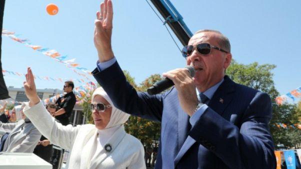 Sanctions US: Erdogan demande le gel des avoirs en Turquie de ministres américains
