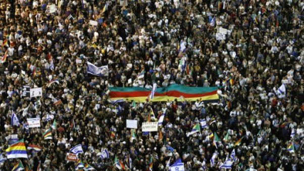 Une immense foule de druzes israéliens proteste contre une loi controversée