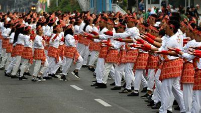 Indonésie: 65.000 danseurs à Jakarta pour un record