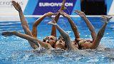 اوكرانيا تخطف الذهبية في غياب روسيا عن منافسات السباحة التوقيعية