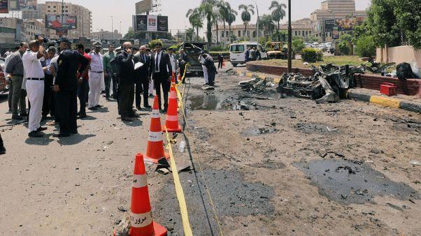 إصابة 13 شخصا في انفجار سيارة قرب وسط القاهرة