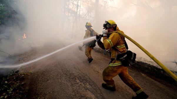 الحرارة والرياح تهددان جهود مكافحة الحرائق في شمال كاليفورنيا