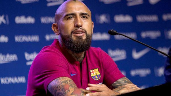 فيدال يطمح للفوز بدوري أبطال أوروبا ثلاث مرات مع برشلونة