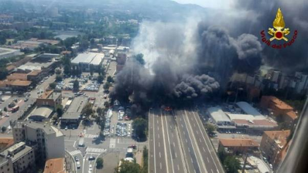 Explosion d'un camion à Bologne: un mort et plus de 40 blessés