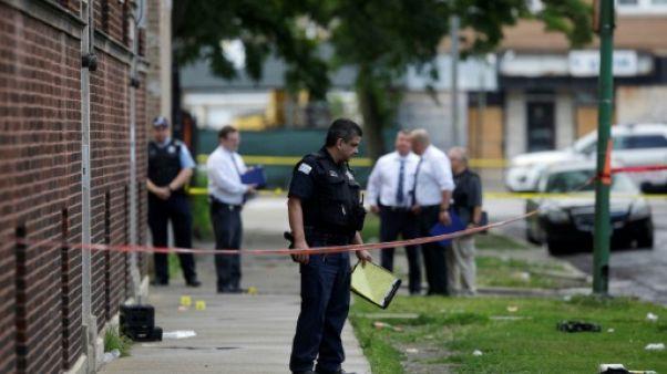 Des policiers sur les lieux d'une fusillade à Chicago, le 5 août 2018