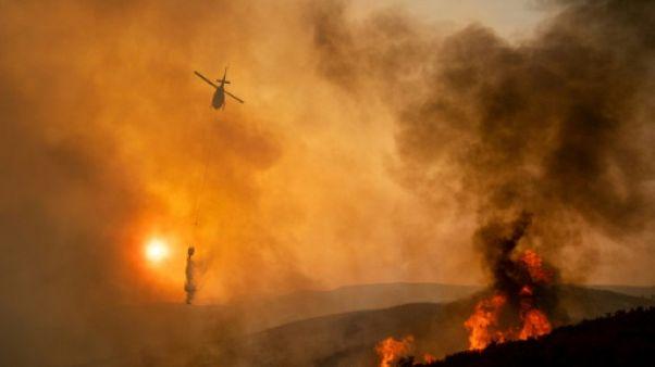 Un incendie en passe de devenir le plus vaste de l'histoire de la Californie