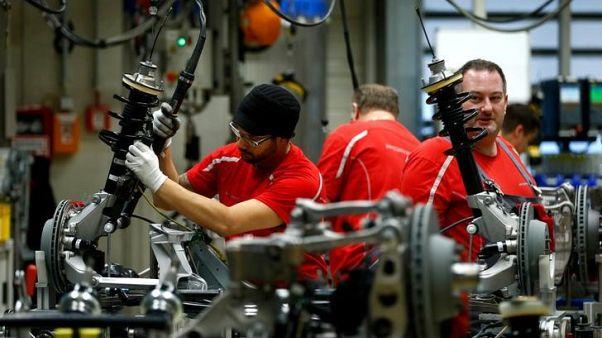 الناتج الصناعي الألماني ينخفض رغم توقعات باستمرار نمو الناتج المحلي