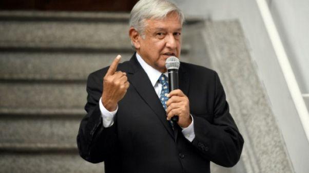 Mexique: Lopez Obrador dit que personne ne menacera le Mexique avec un mur