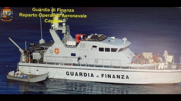 Migranti: bloccato nuovo sbarco