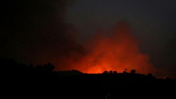 Au Portugal, un incendie menace une ville touristique du sud