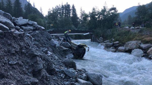 Val Ferret, crollati 25.000 mc detriti