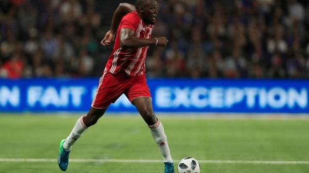 Soccer - Bolt to be given time to prove himself, says Mariners boss
