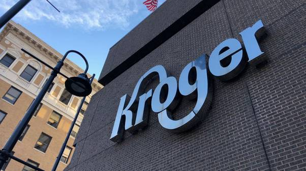 Old-line Kroger shows new moves in grocery delivery drive