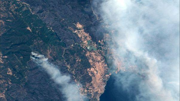 كاليفورنيا تصارع أكبر حرائق في تاريخها وترامب يعد بالمساعدة