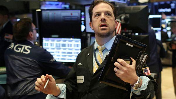 أمريكا تفتح منخفضة بفعل تصاعد التوتر التجاري