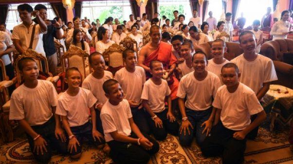 Rescapés de la grotte en Thaïlande: quatre jeunes footballeurs obtiennent la citoyenneté