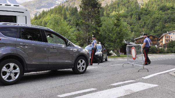 Crollo in Val Ferret,riapertura parziale
