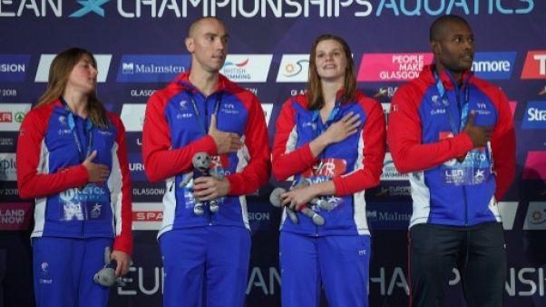 Euro de natation: la France, avec Bonnet et Stravius, en or
