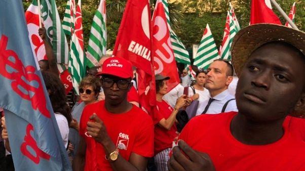 Caporalato: migliaia a corteo sindacati