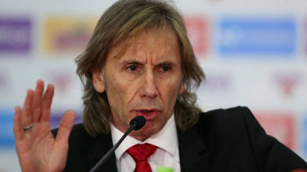 Gareca signs contract to remain as coach of Peru's soccer team