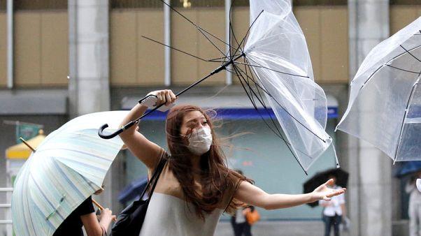 طوكيو تنجو من إعصار مر دون خسائر