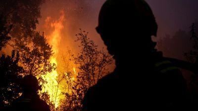 Des plages du sud du Portugal obscurcies par la fumée de l'incendie