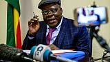Tendai Biti lors d'une conférence de presse à Harare le 1er juin 2018