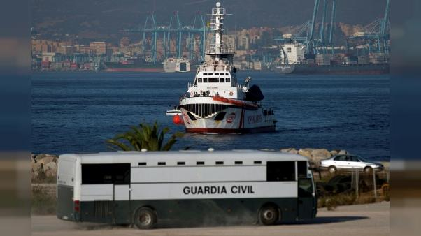 L'Espagne accueille un nouveau bateau d'ONG chargé de migrants
