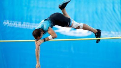 Athlétisme: Lavillenie, Chapelle et Sene en finale à la perche