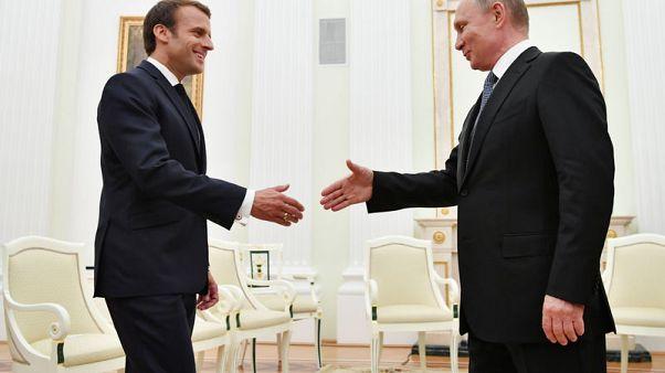 ماكرون ناقش مع بوتين الوضع في سوريا وقضية سجين مضرب عن الطعام