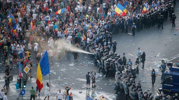 تحول احتجاج ضد الحكومة في رومانيا لأعمال عنف