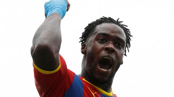 Schlupp and Zaha give clinical Palace 2-0 win at Fulham