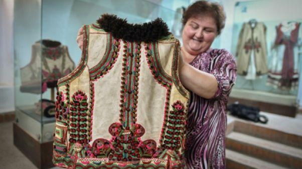 """Quand Dior, en les """"copiant"""", fait les beaux jours des artisans roumains"""