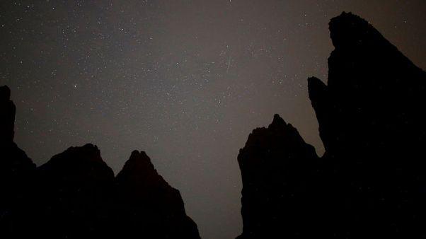 تساقط كثيف للشهب يضيء السماء فوق البوسنة