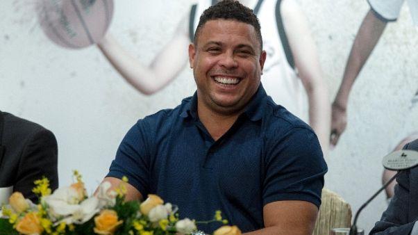Polmonite, brasiliano Ronaldo ricoverato