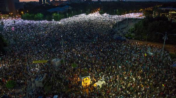 Thousands rally to demand Romanian government resignation