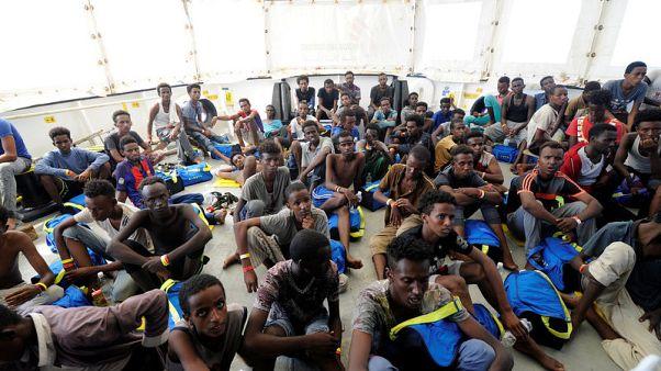 سفينة إنقاذ تبحث عن ميناء أوروبي لإنزال مهاجرين أفارقة