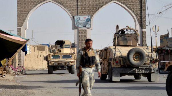 قوات خاصة أفغانية تعزز دفاعات مدينة غزنة في مواجهة طالبان