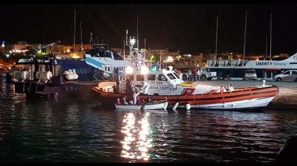 Barchino con 15 migranti a Lampedusa