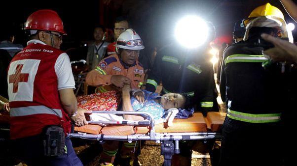 حريق بأحد مستشفيات ميانمار وإجلاء المرضى على محفات