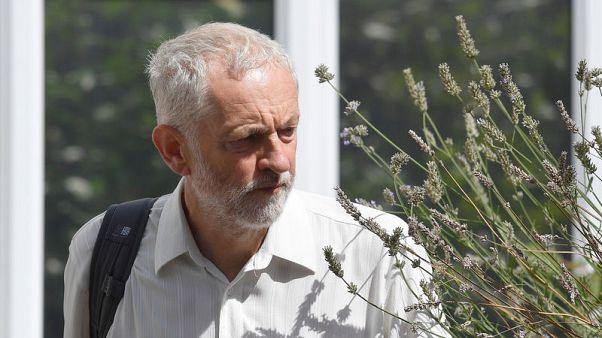 رئيس حزب العمال البريطاني يتبادل الانتقادات مع نتنياهو بشأن عنف الشرق الأوسط