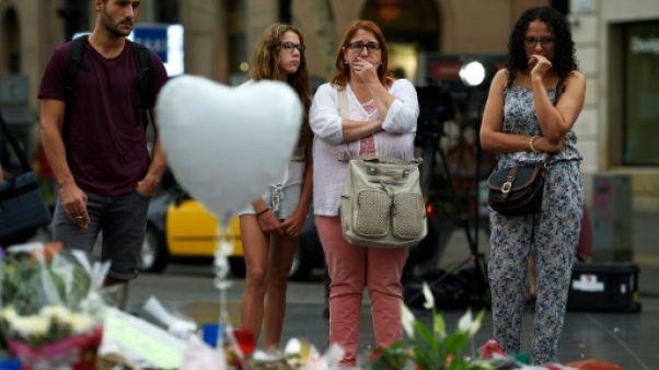 Un an après les attentats de Catalogne: questions et blessures ouvertes