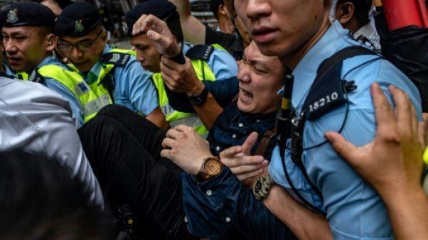 Hong Kong: manifestations en marge du discours d'un partisan de l'indépendance