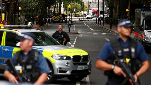 شرطة بريطانيا: نتعامل مع حادثة البرلمان على أنها عمل إرهابي
