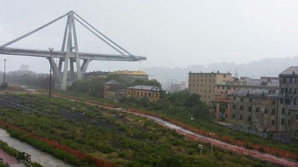 Portion du viaduc de l'A10 écroulée à Gênes en Italie, le 14 août 2018