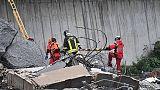 Crollo ponte: 11 morti, anche un bimbo