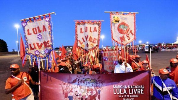 Brésil : les pro-Lula bataillent pour sa candidature à la présidentielle