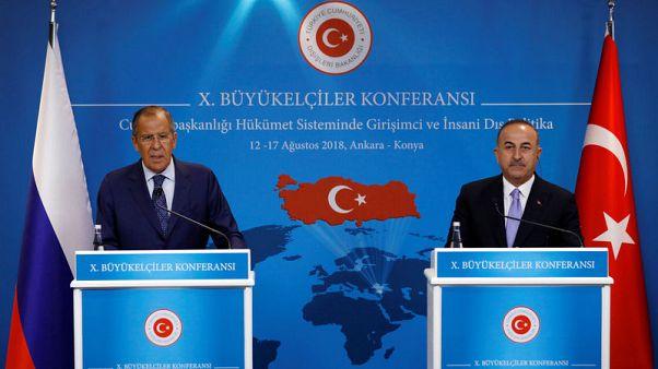 روسيا تدعم التعامل بغير الدولار مع تركيا دون وعد بالمساعدة وسط أزمة الليرة