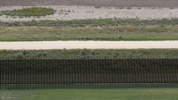 U.S. lawsuit over photos at U.S.-Mexico border crossings is revived